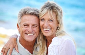 3 Options to Replace Missing Teeth